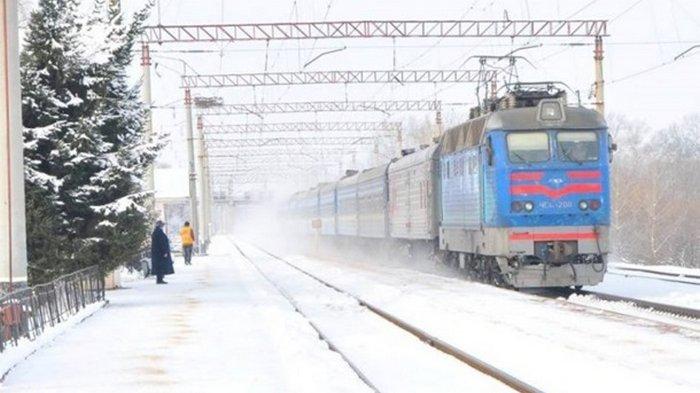 В Украине из-за непогоды произошел сбой в движении поездов