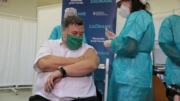 Третья страна ЕС начала вакцинацию от коронавируса