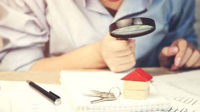 Какие документы нужно проверить при покупке квартиры
