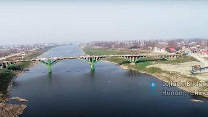 В Китае взорвали мост с истекшим сроком эксплуатации (видео)
