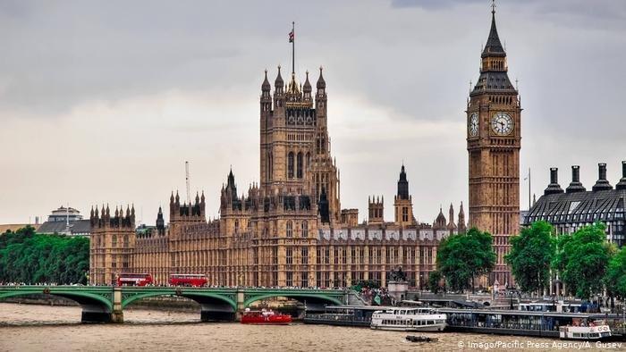 В Великобритании вводят третий национальный локдаун