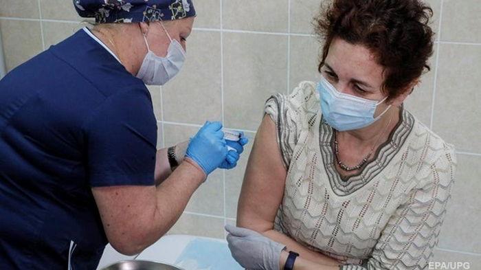 В Израиле анонсировали завершение COVID-вакцинации