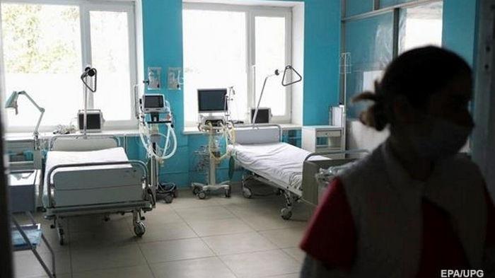 В Украине меньше 5 тысяч новых больных COVID-19