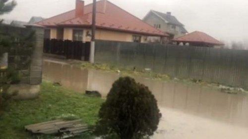 На Закарпатье подтопления из-за дождей (видео)