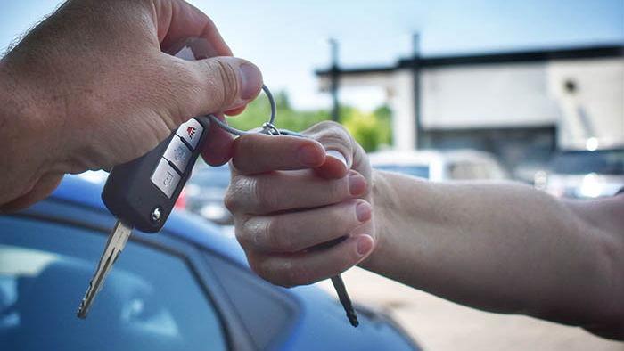 Как экономить при аренде машин?
