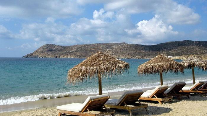 В Греции аномальное тепло: люди купаются в море (видео)
