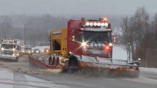 Север Европы сковали снегопады (видео)