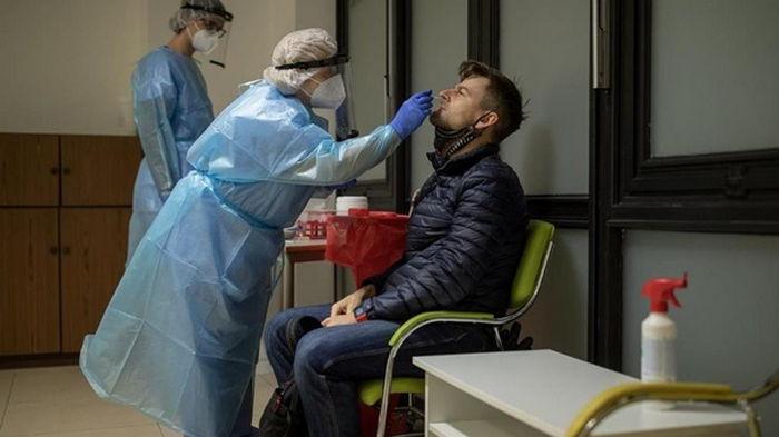 В мире за сутки зафиксировали 688 тысяч случаев коронавируса