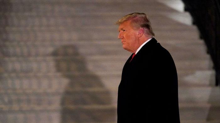 Накануне инаугурации Байдена Трамп намерен помиловать около ста человек