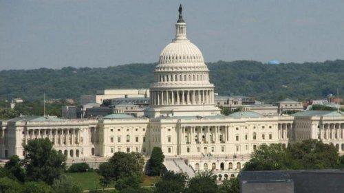 В США капитолии усиливают охрану из-за угрозы массовых протестов