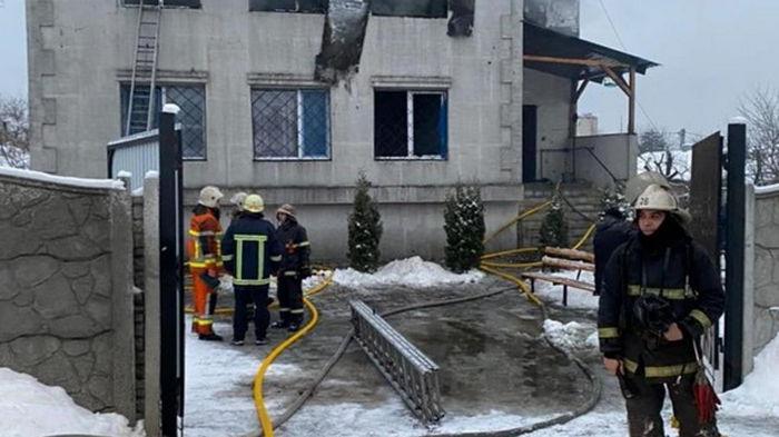Готовился ремонт: в полиции сообщили детали пожара в Харькове (видео)