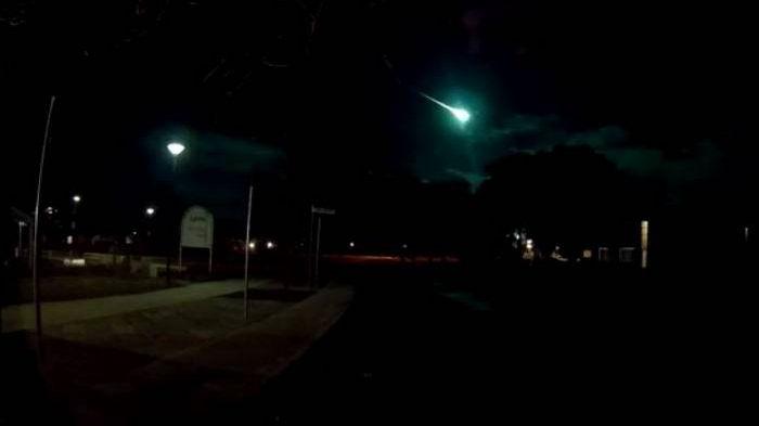 Над Сиднеем пролетел метеор – видео