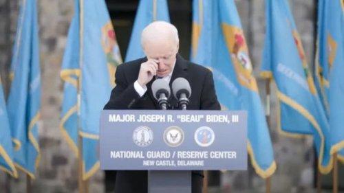 Джо Байден заплакал во время речи (видео)