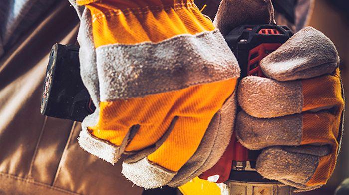 Важность защитных перчаток на производстве