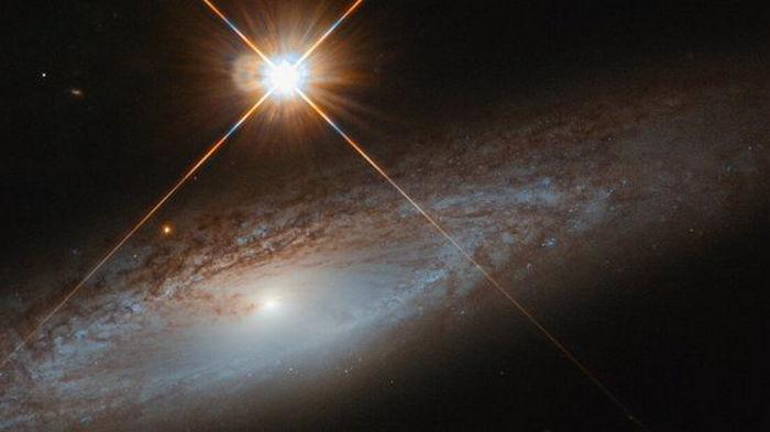 Космическая красота, которую стоит созерцать. Hubble запечатлел удивительную галактику: фото