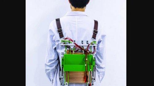 Инженеры разработали ранец, который облегчает ношу туристов