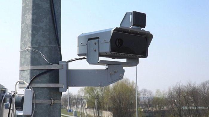На дорогах в Украине в три раза увеличат количество камер видеофиксации