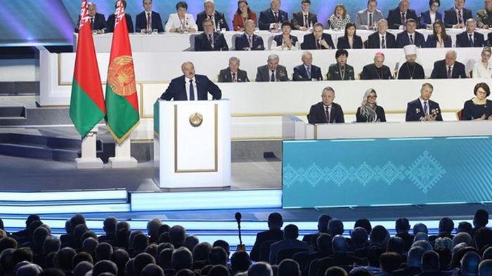 Лукашенко озвучил условия отхода от власти