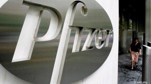 Названы сроки регистрации вакцин Pfizer в Украине