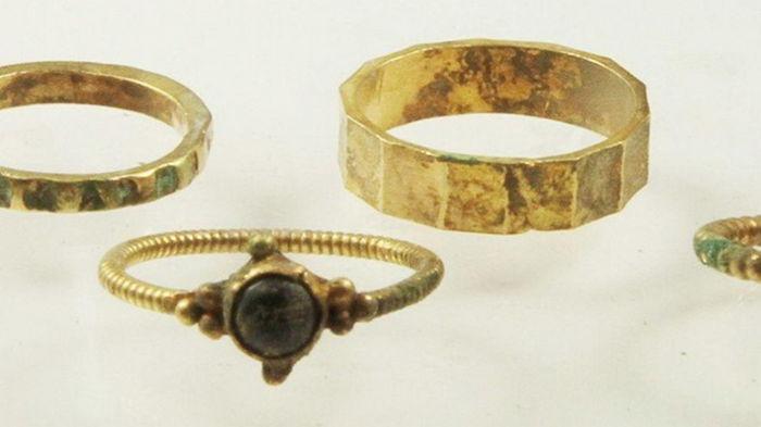 В Польше нашли кольца дочери киевского князя (фото)