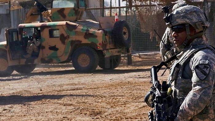 В Ираке база США попала под ракетный удар, есть жертвы (видео)