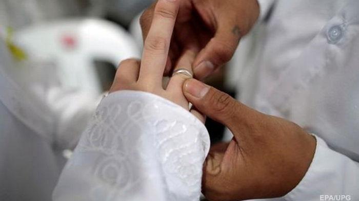 Украинцы стали реже вступать в брак