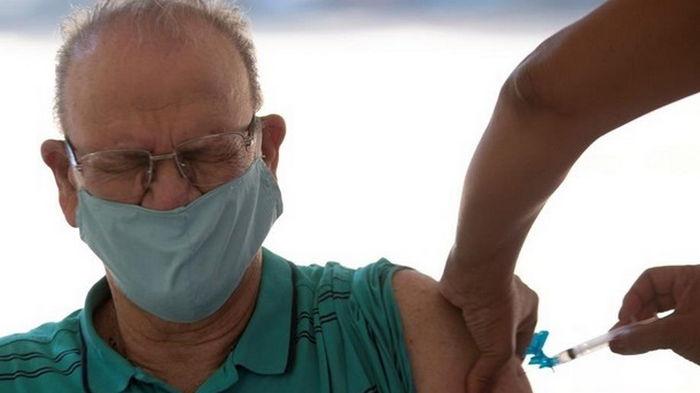 ЮАР намерена вернуть миллион доз COVID-вакцины AstraZeneca