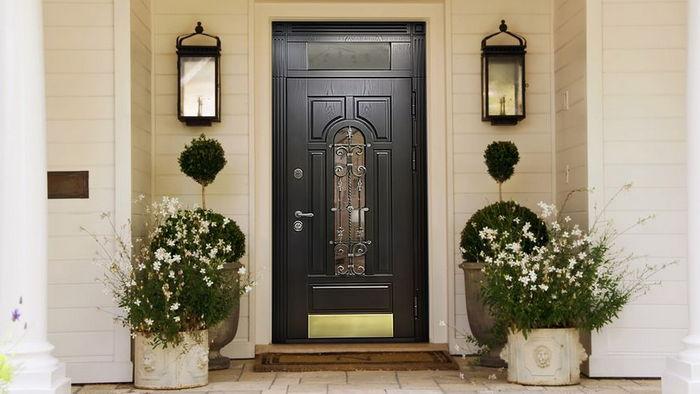 Почему важно ответственно подойти к выбору входных дверей для частного дома