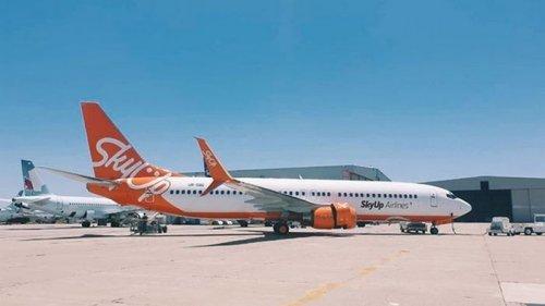 Самолет с украинцами вылетел из Занзибара