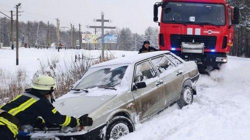 В ГСЧС рассказали о ситуации на дорогах Украины