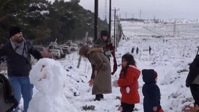 В Ливии впервые за 15 лет выпал снег (видео)