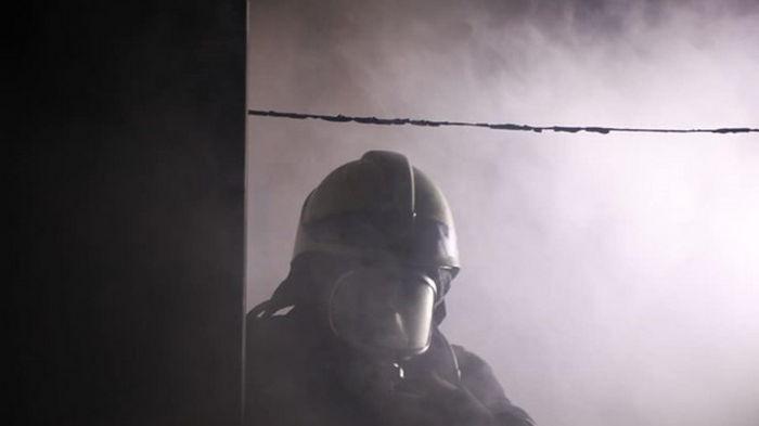 В Киеве горело общежитие, эвакуировали 50 человек