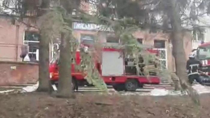 В больнице Черновцов произошел взрыв, есть жертвы