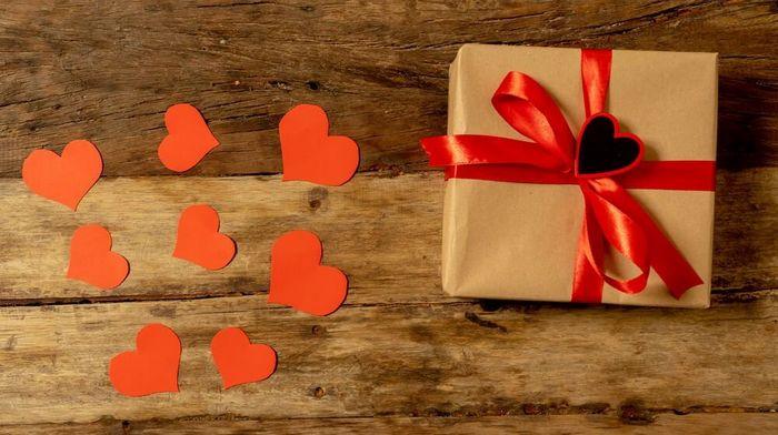 Подарочные наборы для женщин: как выбрать самый подходящий на подарок