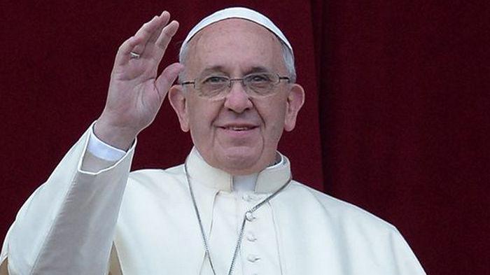 Надо уважать и оберегать: Папа Римский о роли женщин в обществе