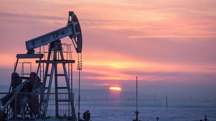 Нефть подешевела на четыре доллара за два дня