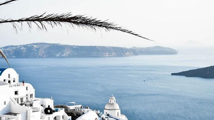 Греция намерена открыть страну для туристов в середине мая
