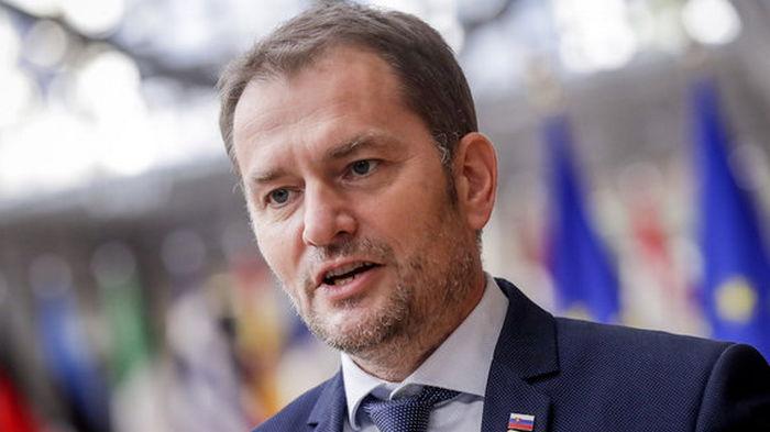 Политический кризис в Словакии. Из-за вакцины Sputnik V уволили министра здравоохранения