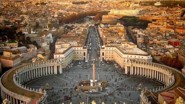 Папа Франциск не помог: Ватикан запретил благословлять однополые браки