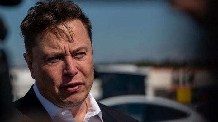 Инвестор Tesla подал в суд на Илона Маска из-за его постов в Twitter