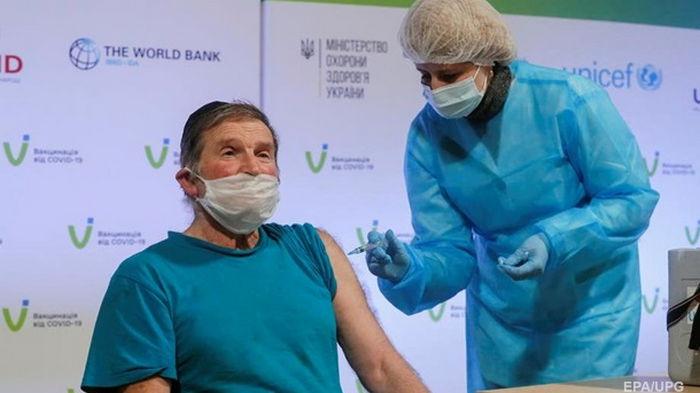 Минздрав увеличил интервал между COVID-вакцинами