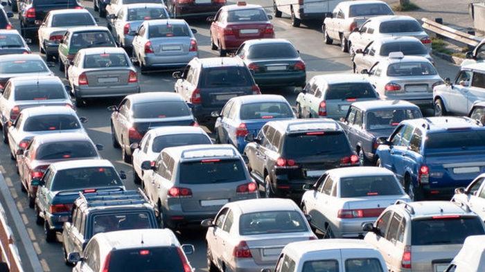 В ЕС падает спрос на новые автомобили. Продажи обвалились до уровня 2013 года
