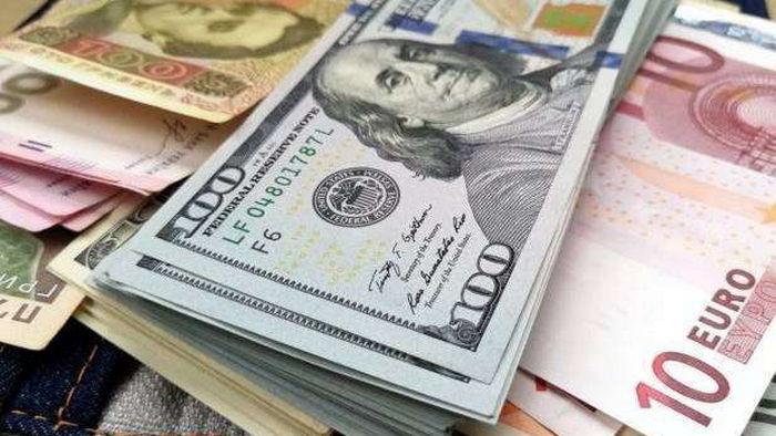 Доллар станет еще дороже: эксперт спрогнозировал курс