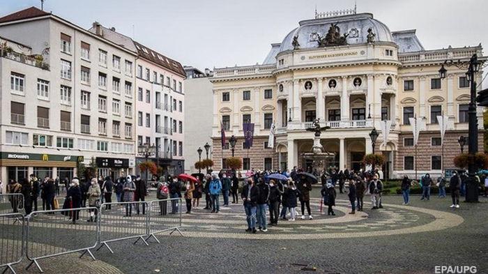 В Словакии будут штрафовать за выезд на отдых за границей - СМИ