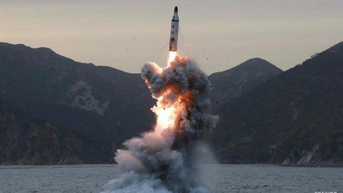 КНДР вновь запустила две баллистические ракеты - СМИ