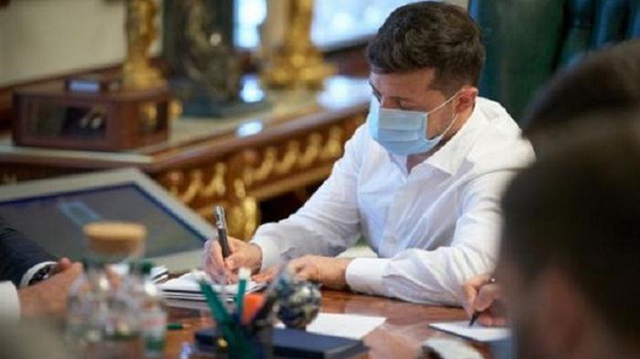 Зеленский призвал не дискредитировать вакцинацию