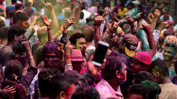 Индия празднует фестиваль красок (фото)
