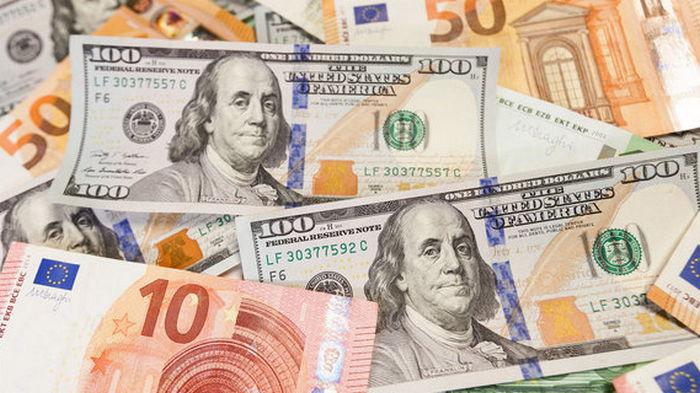 Доллар и евро подорожали. Итоги торгов на межбанке