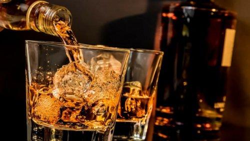 Алкоголь и COVID-19: можно ли употреблять напитки во время вакцинации ...