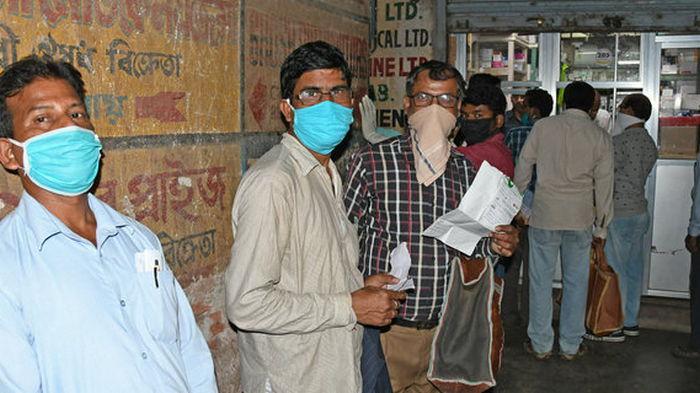 Вторая волна COVID захлестнула Индию: там выявили 103 000 новых случаев за сутки